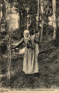Les Petits Métiers 6 - La Ramasseuse de bois mort